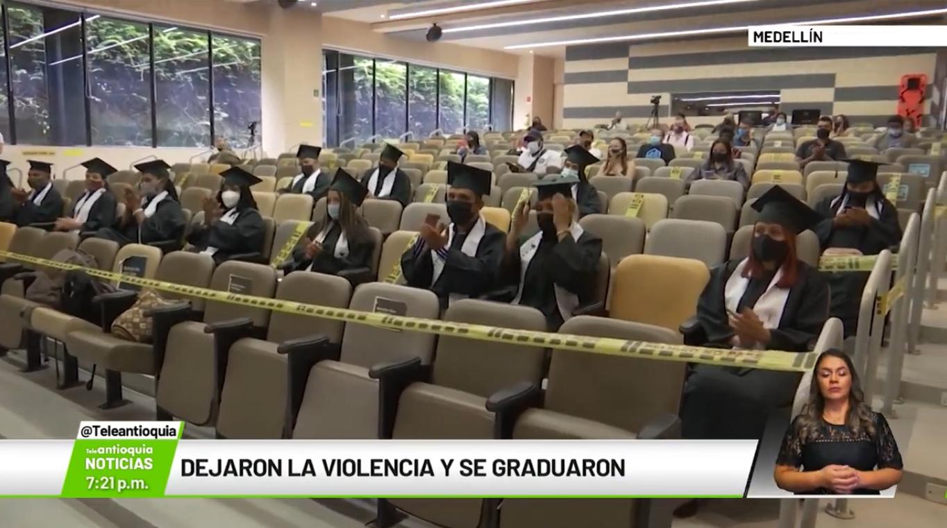 Dejaron la violencia y se graduaron
