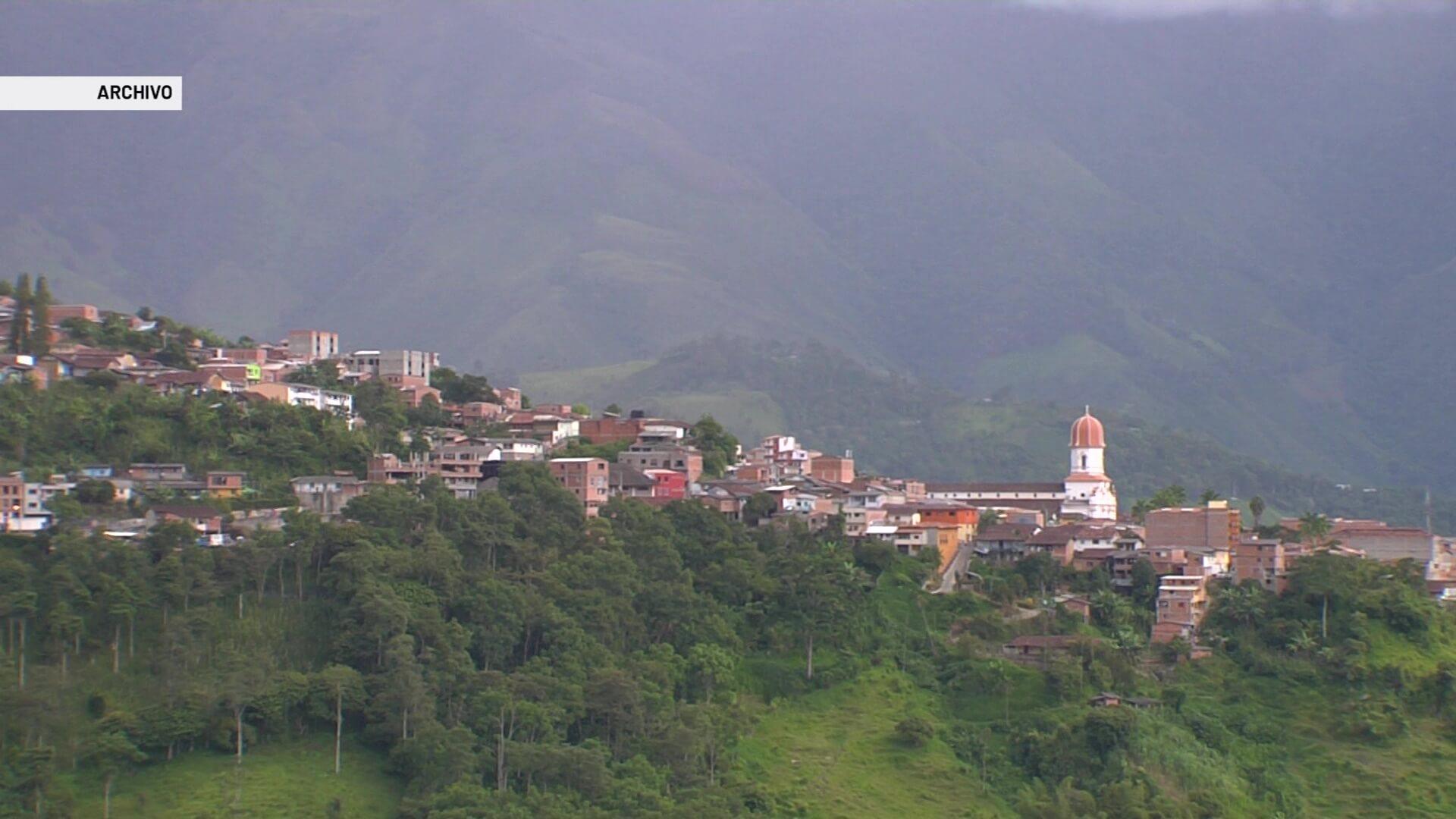 Investigan posible amenaza contra 15 docentes en Ituango