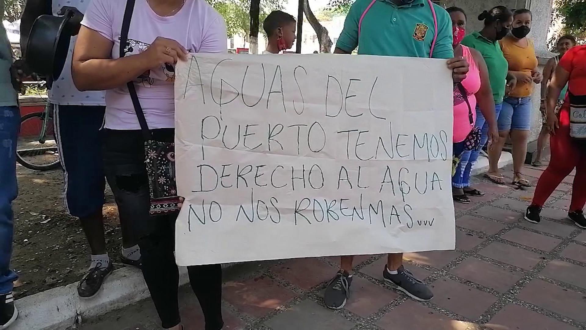 100 familias están sin agua, piden solución a su problema