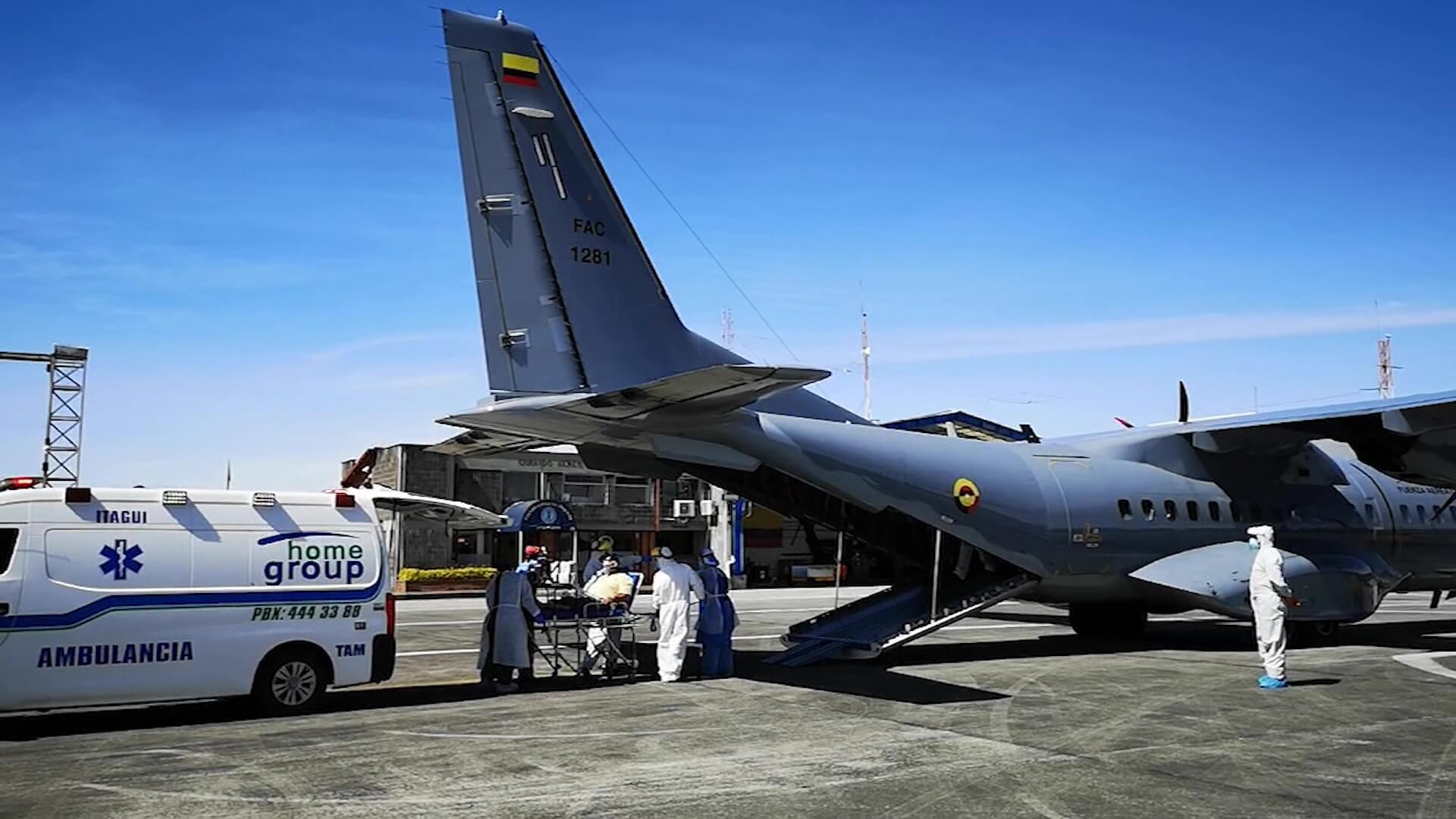 116 pacientes de UCI han sido trasladados en avión
