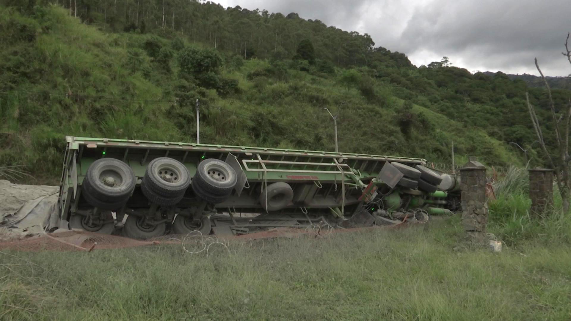 En accidente muere conductor de vehículo de carga