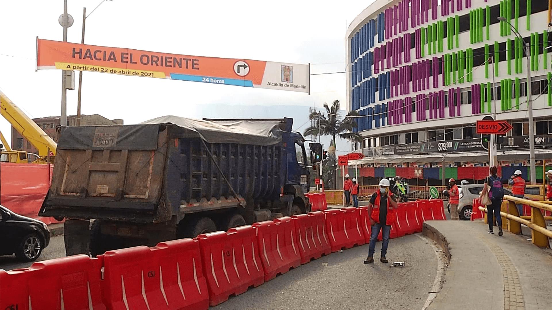 Inició el cierre de la calle San Juan con la Carrera 80