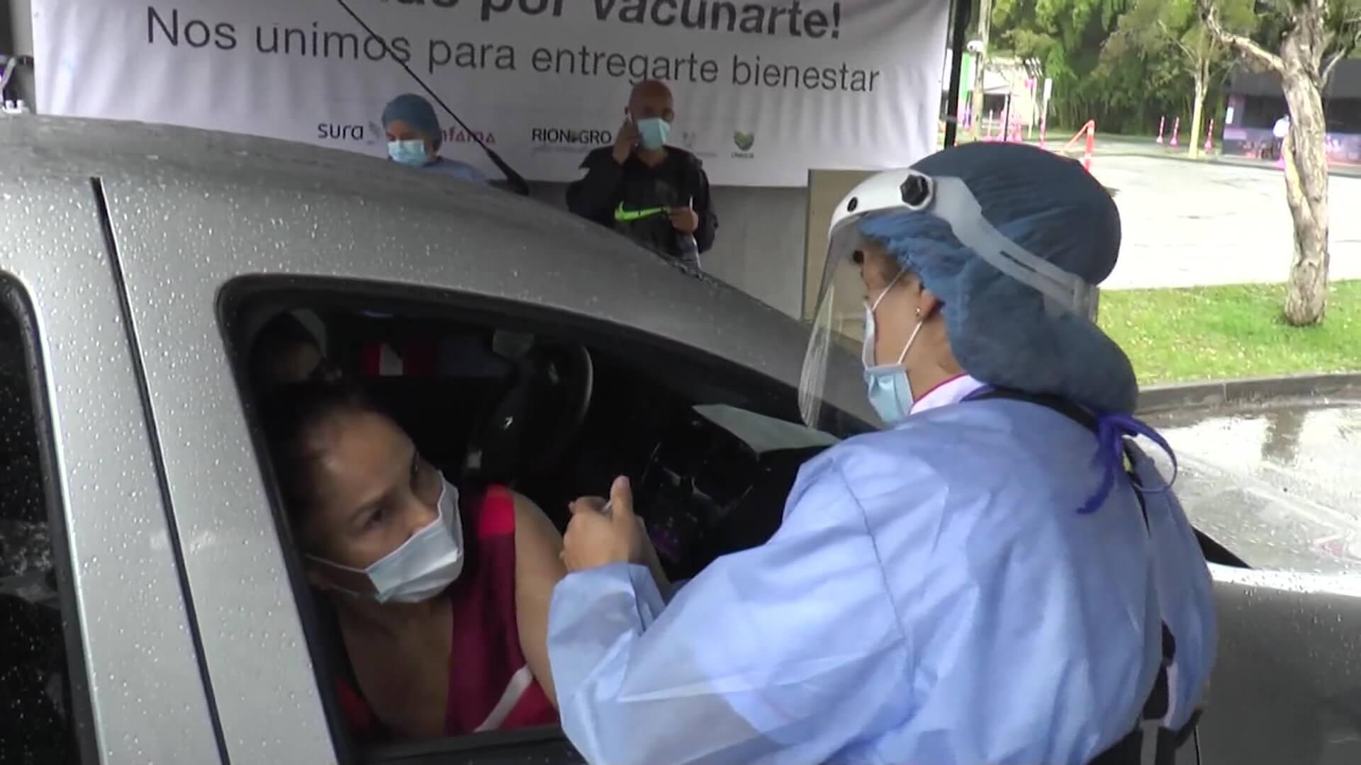 Abren puesto de vacunación multivehicular en Rionegro