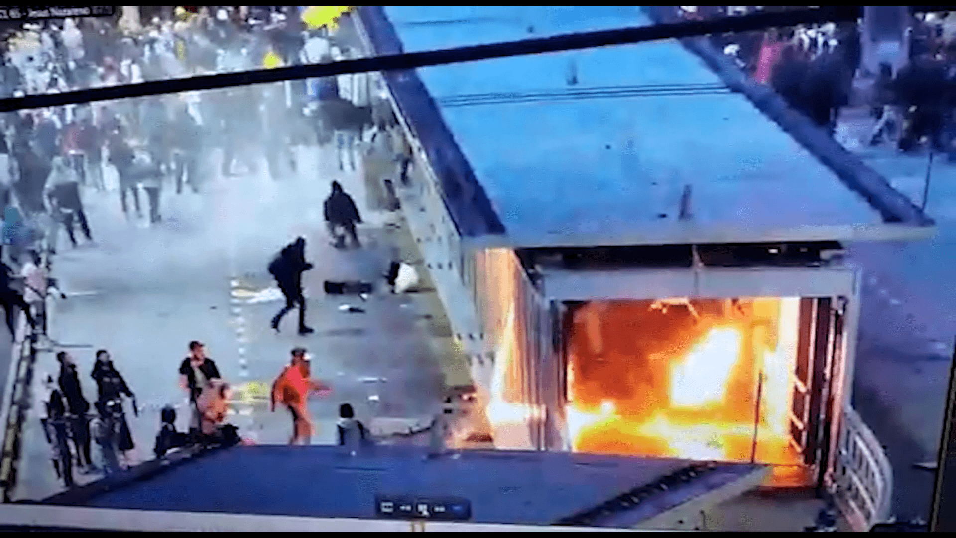 Joven resultó quemado en medio de las protestas