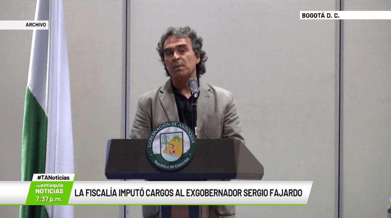 La Fiscalía imputó cargos al exgobernador Sergio Fajardo