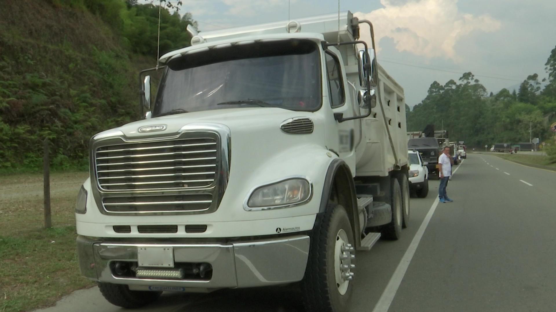 Los camioneros apagan sus motores en protesta