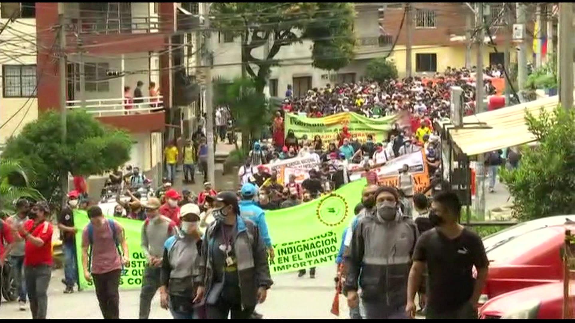 Marcha del 1 de mayo recorre barrios populares