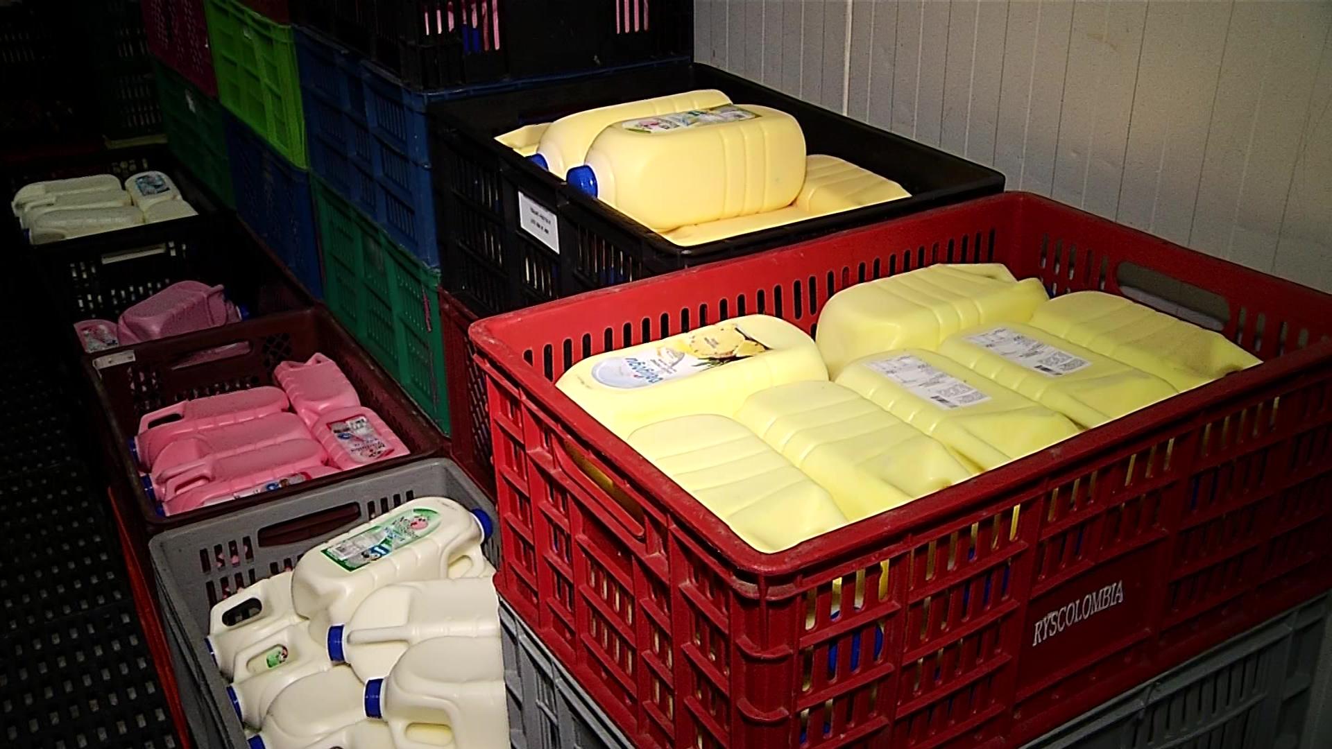 Producción de lácteos también está afectada por paros