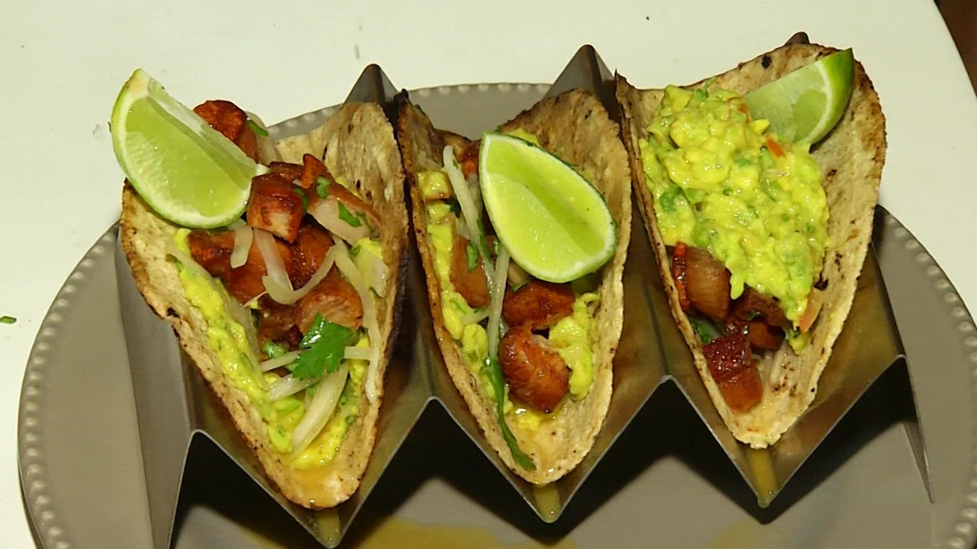 Tacos de aguachile de chicharrón, sabor de Latinoamérica