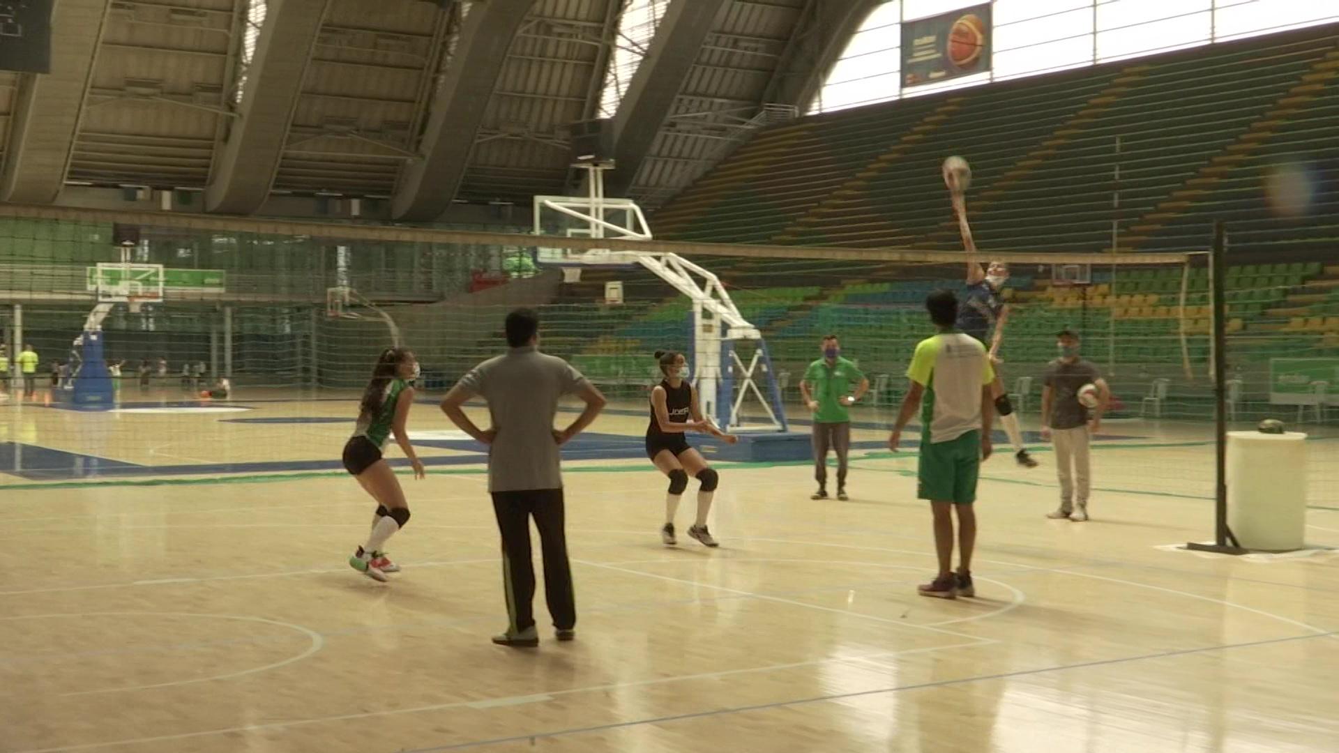 Voleibol busca escenario para entrenar