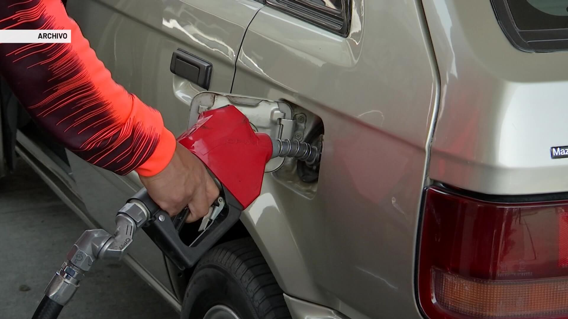 Por marchas y cierres, caída en consumo de combustibles