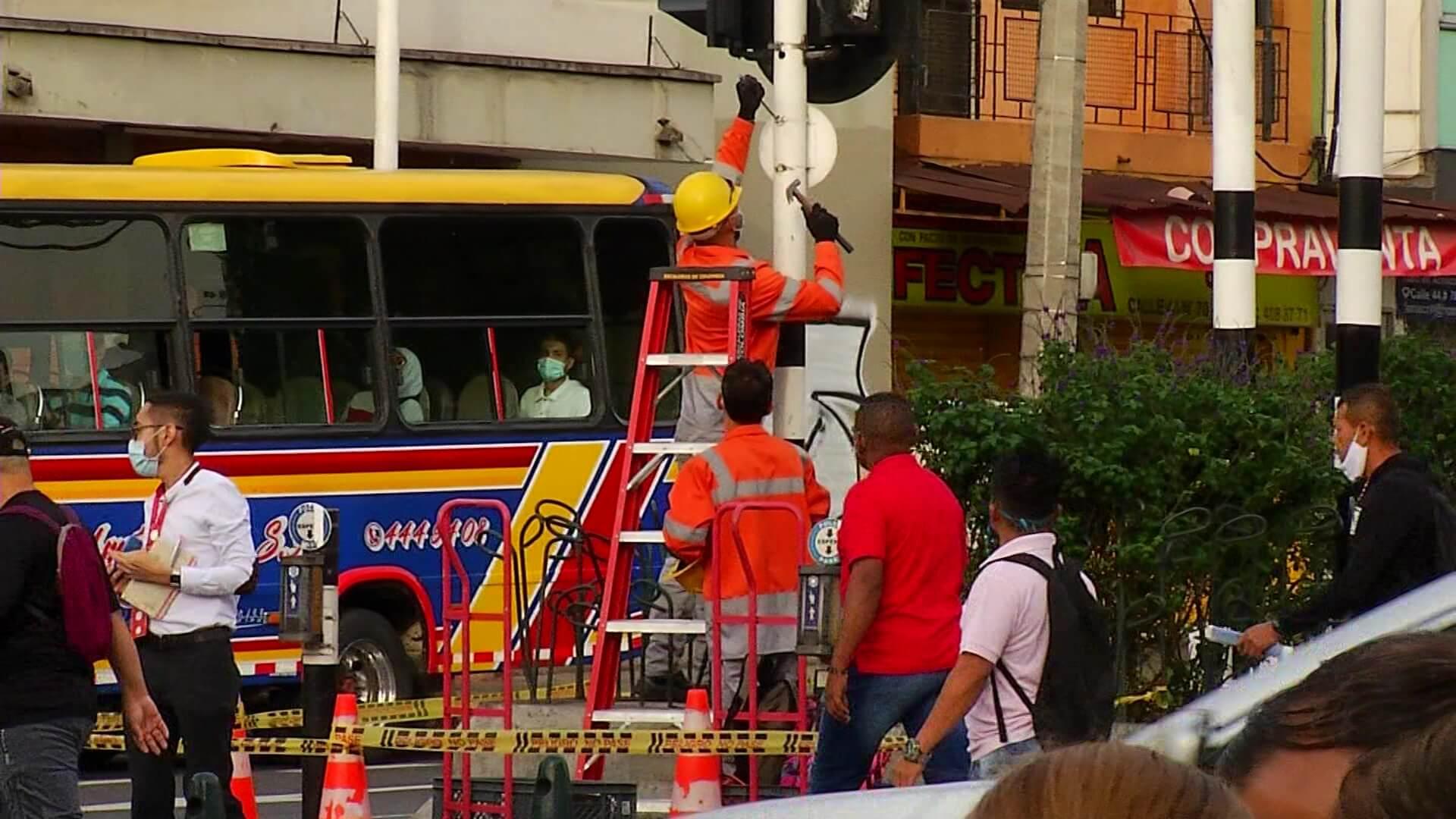 $1.700 millones en pérdidas por semáforos vandalizados