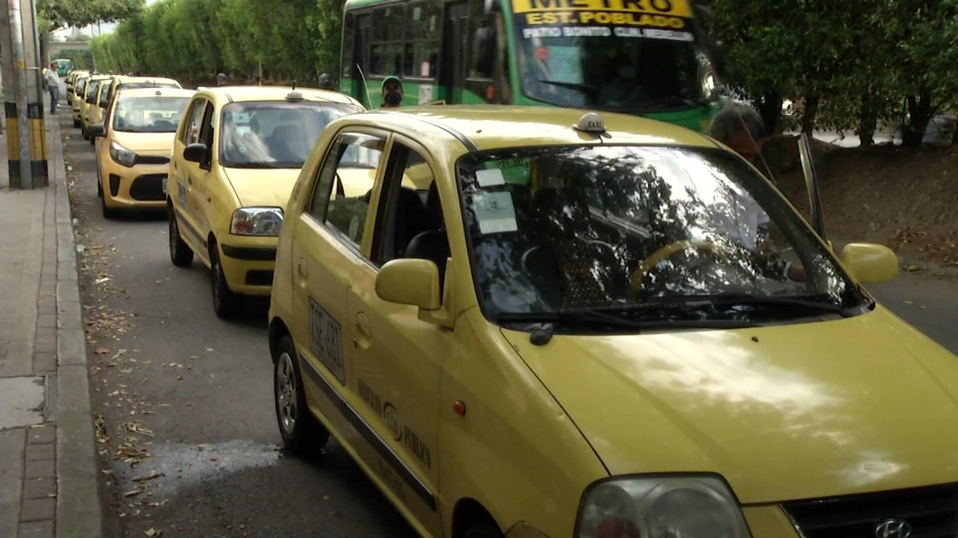 El lunes 2 de agosto rotará pico y placa de taxis