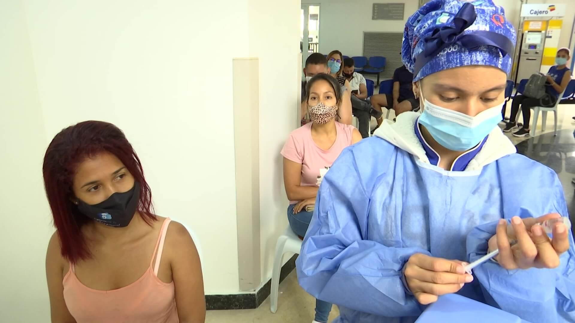 Medellín espera vacunas para primeras dosis