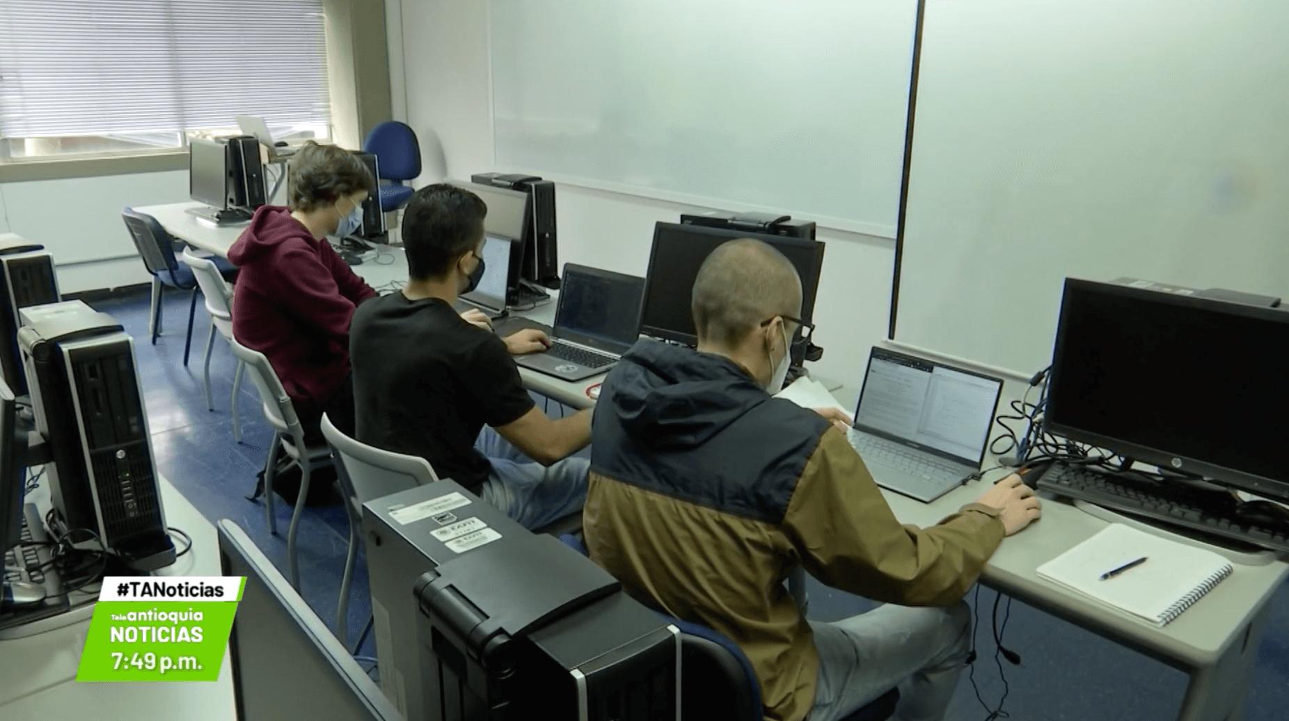 Tres paisas irán a Mundial de Programación en Blangladesh