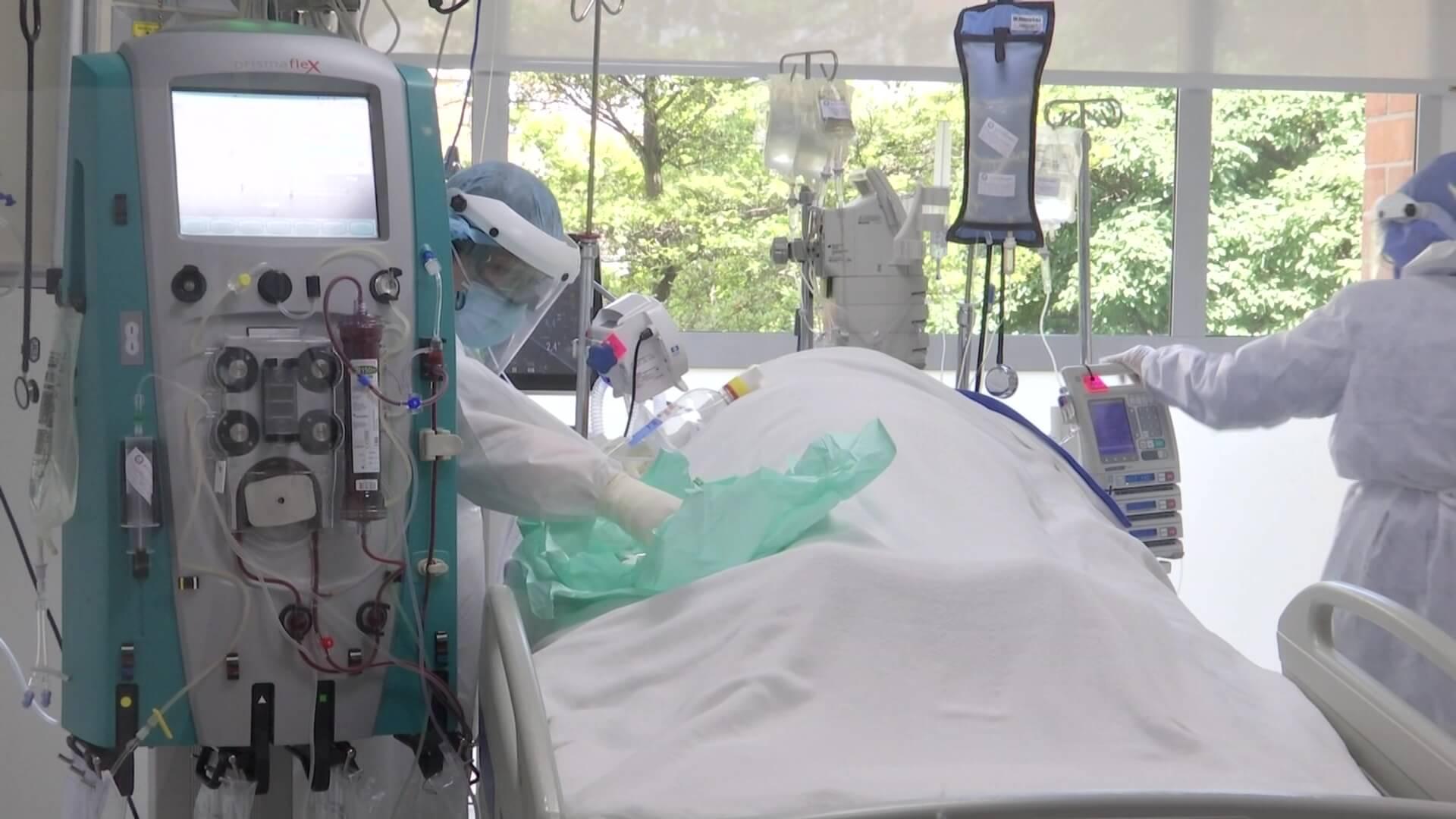 El 50 % de pacientes en UCI son por Covid
