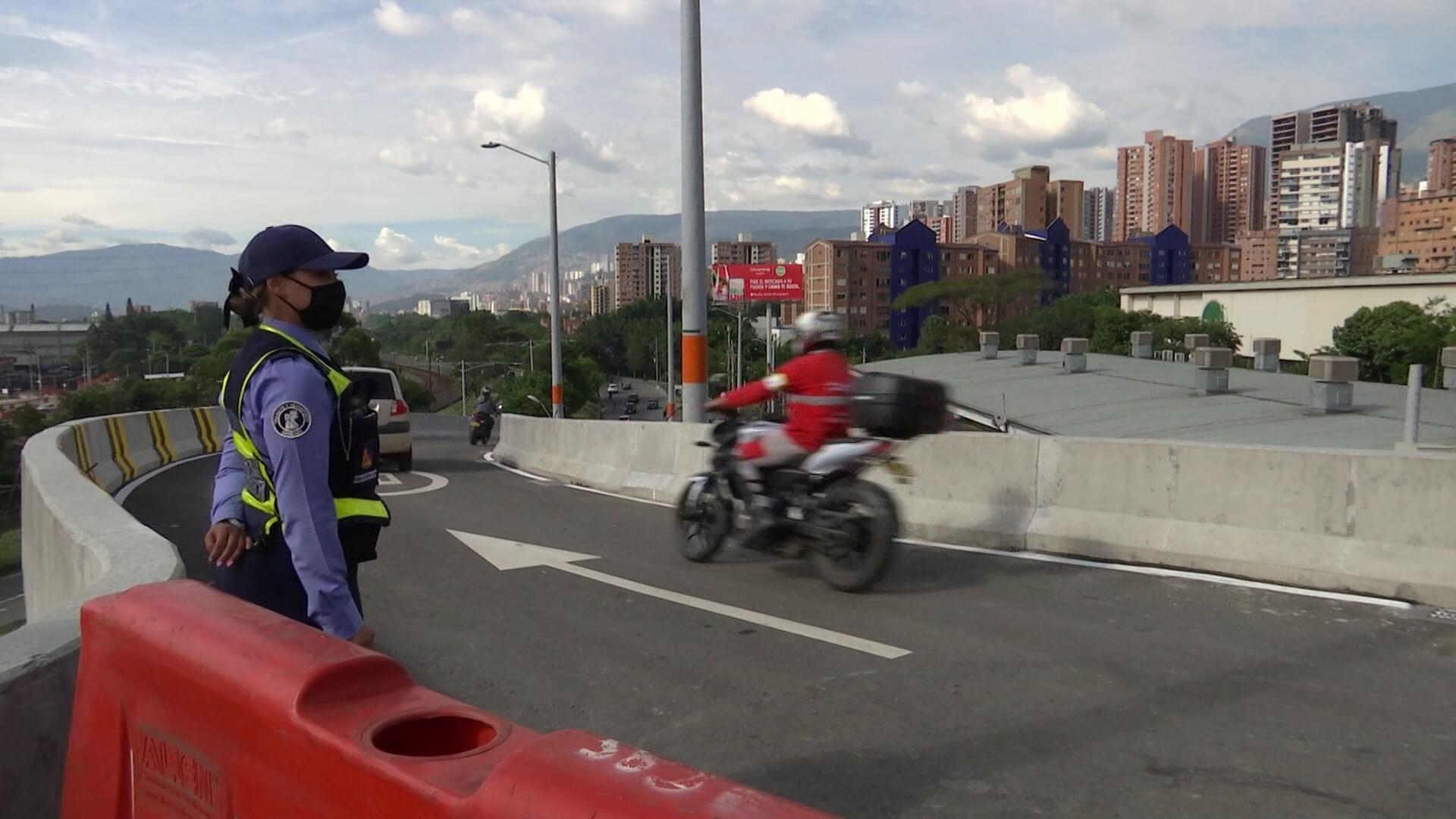 Habilitan tramo de puente entre Envigado y La Regional