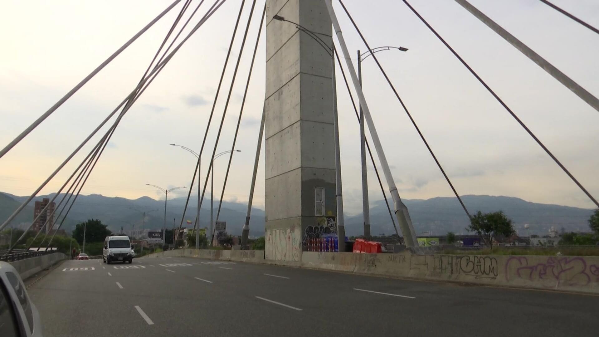 Con arte urbano intervendrán puente de la 4 Sur