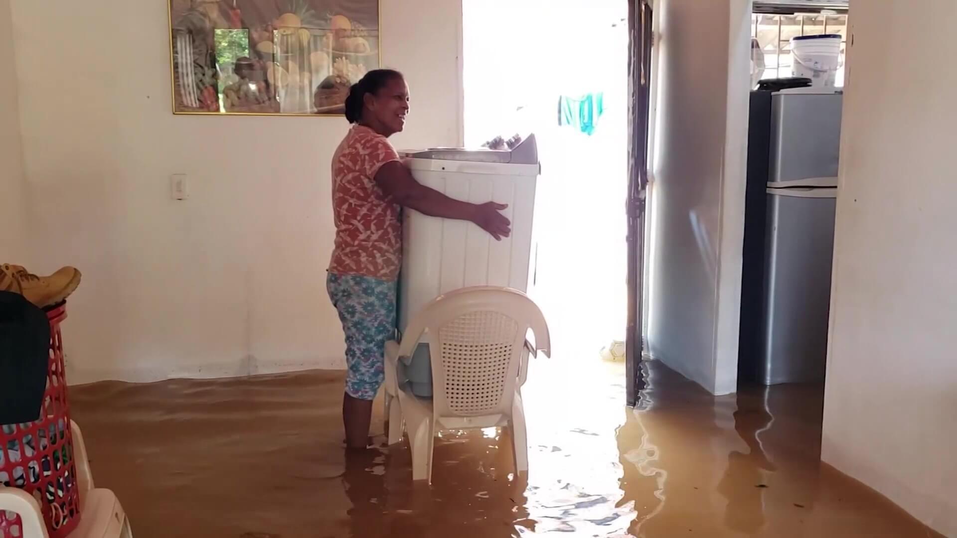 Decenas de casas y vías afectadas por las inundaciones en Caucasia