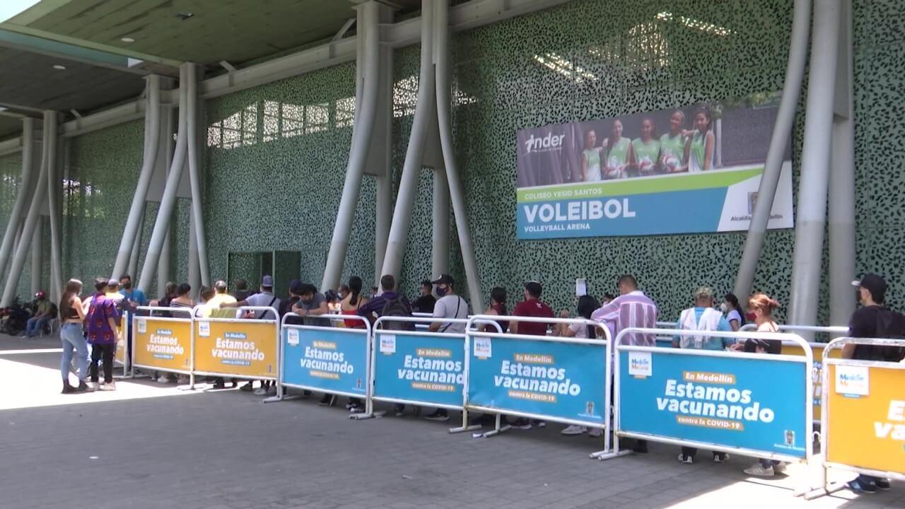 Medellín tiene habilitados 63 puntos de vacunación (1)