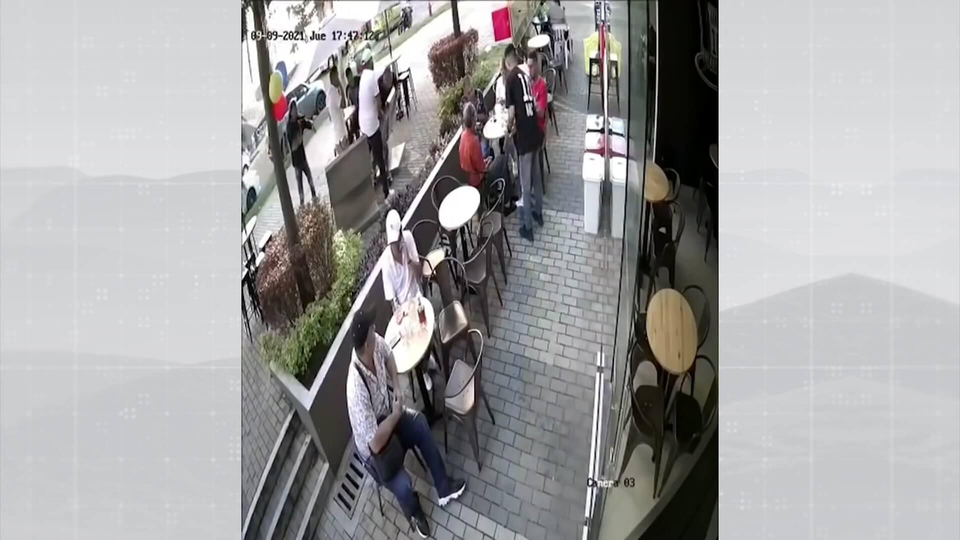 Policías encubiertos en restaurantes y locales comerciales