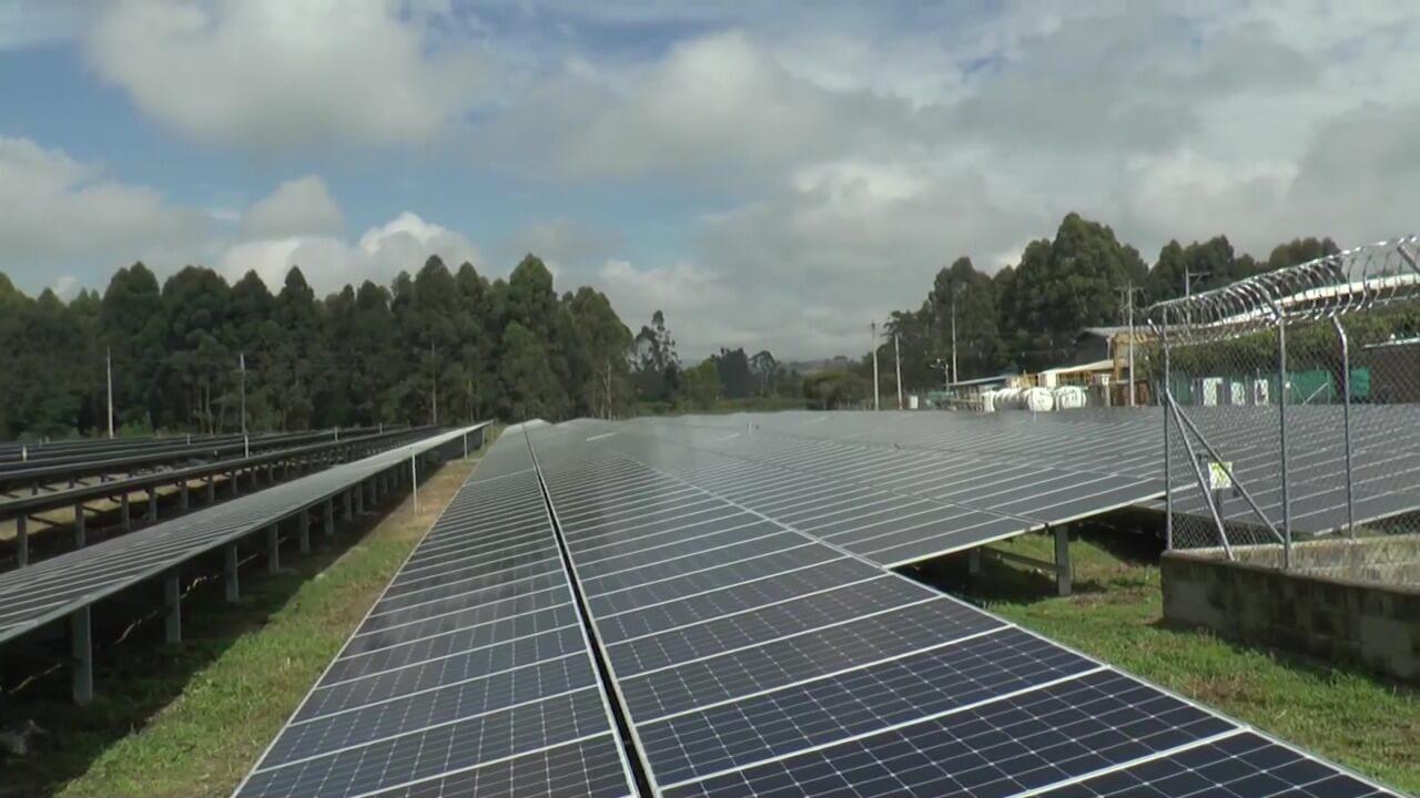 Primera planta de energía solar en el sector Metalúrgico