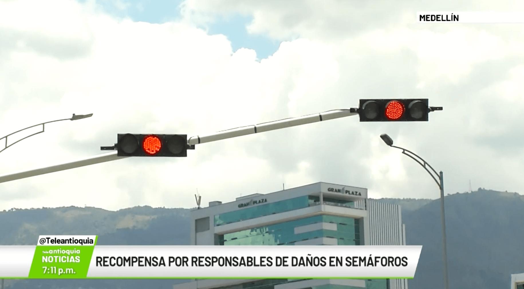 Recompensa por responsables de daños en semáforos