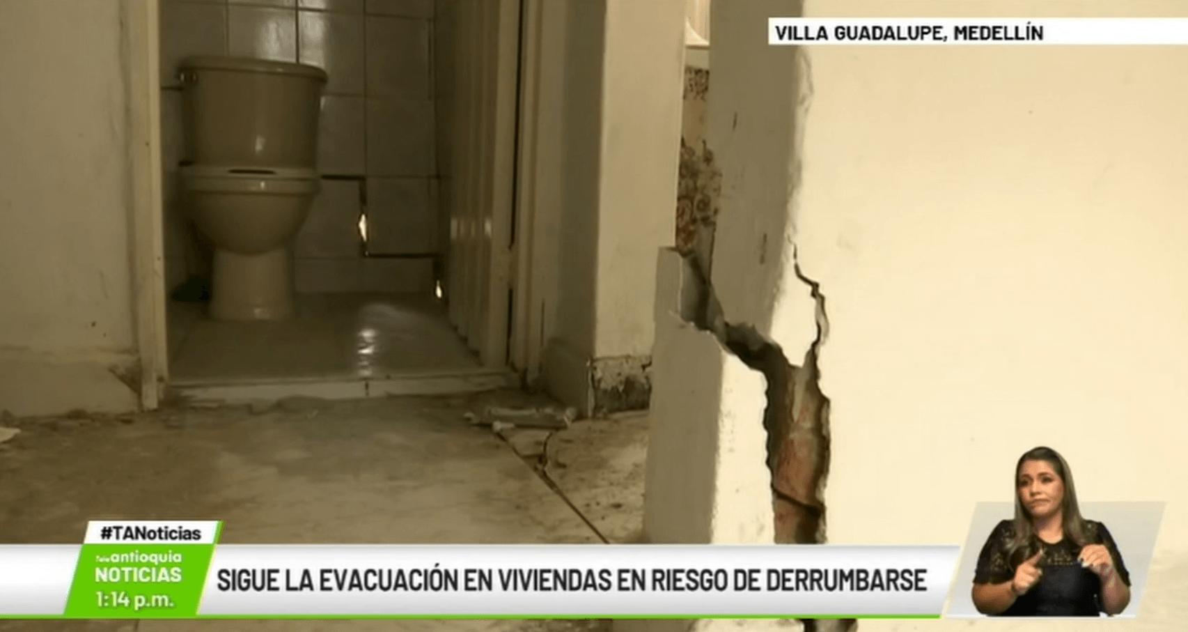 Sigue la evacuación en viviendas en riesgo de derrumbarse