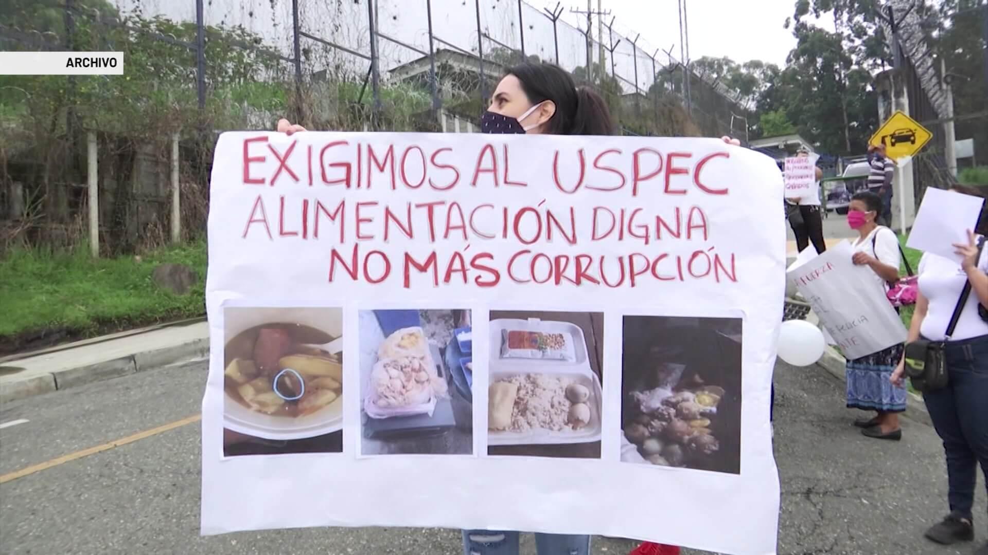 Siguen protestas en El Pedregal por estado de alimentos