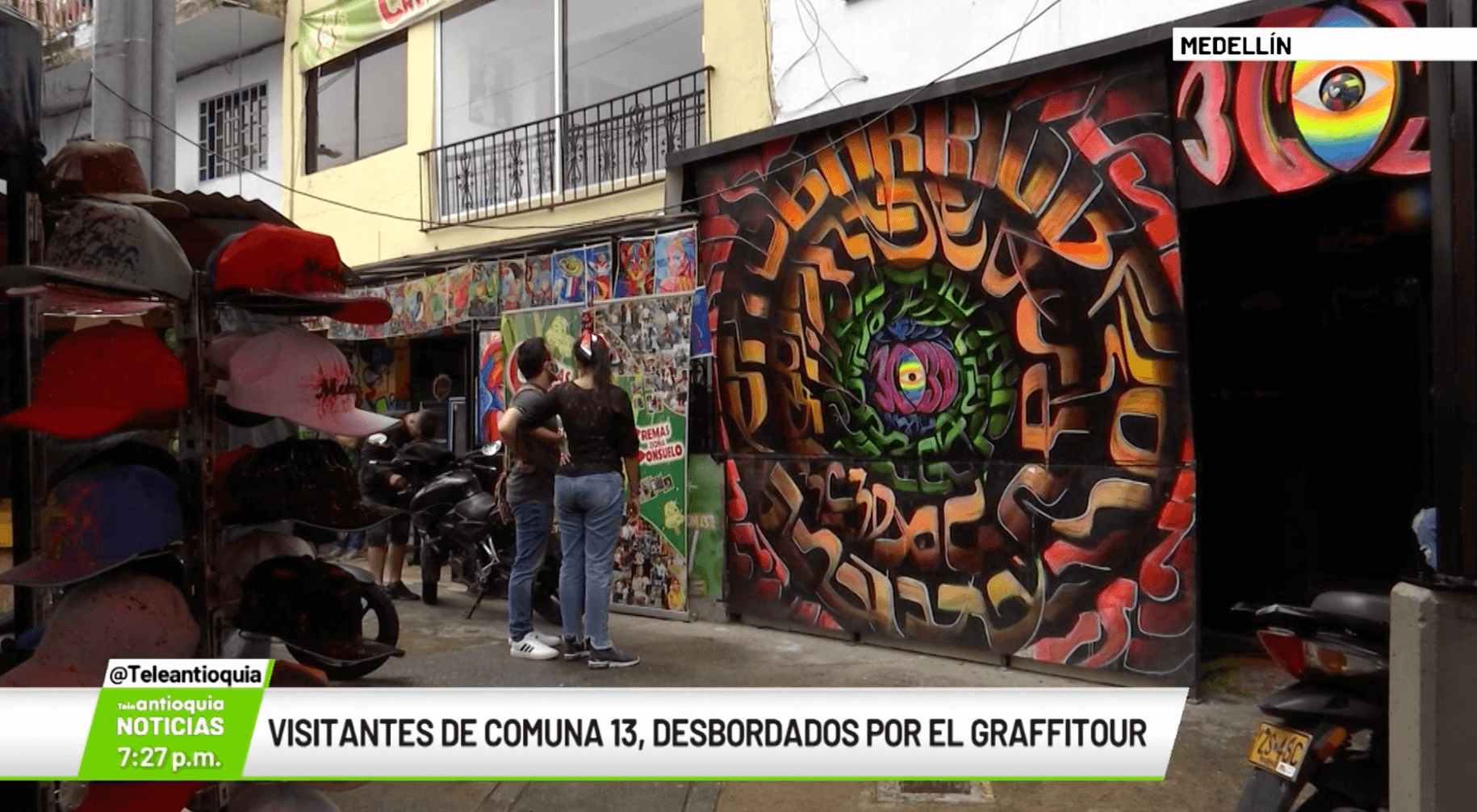 Visitantes de Comuna 13, desbordados por el Graffitour