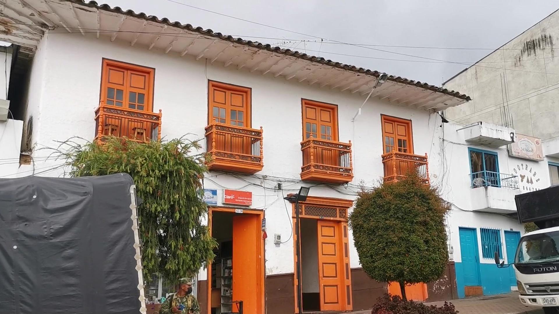 La casa de color naranja, un patrimonio de 200 años