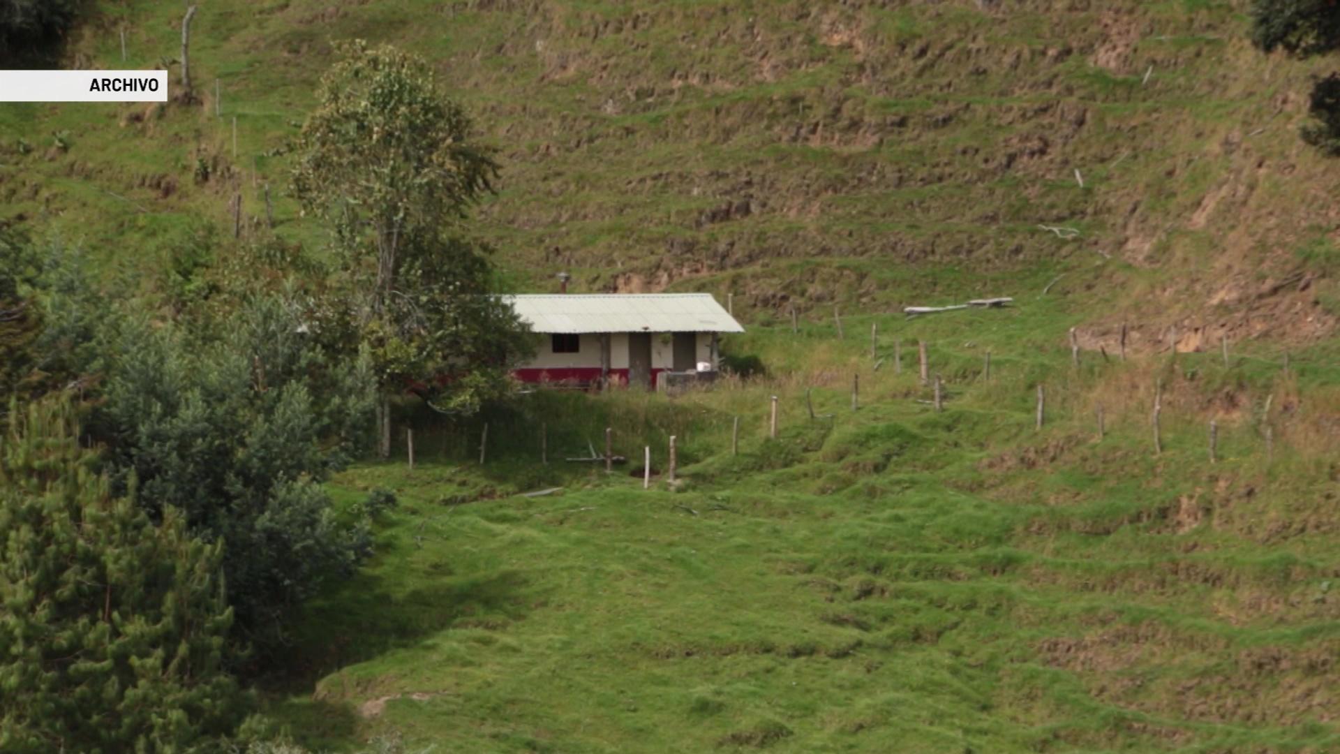 Investigan doble homicidio en zona rural