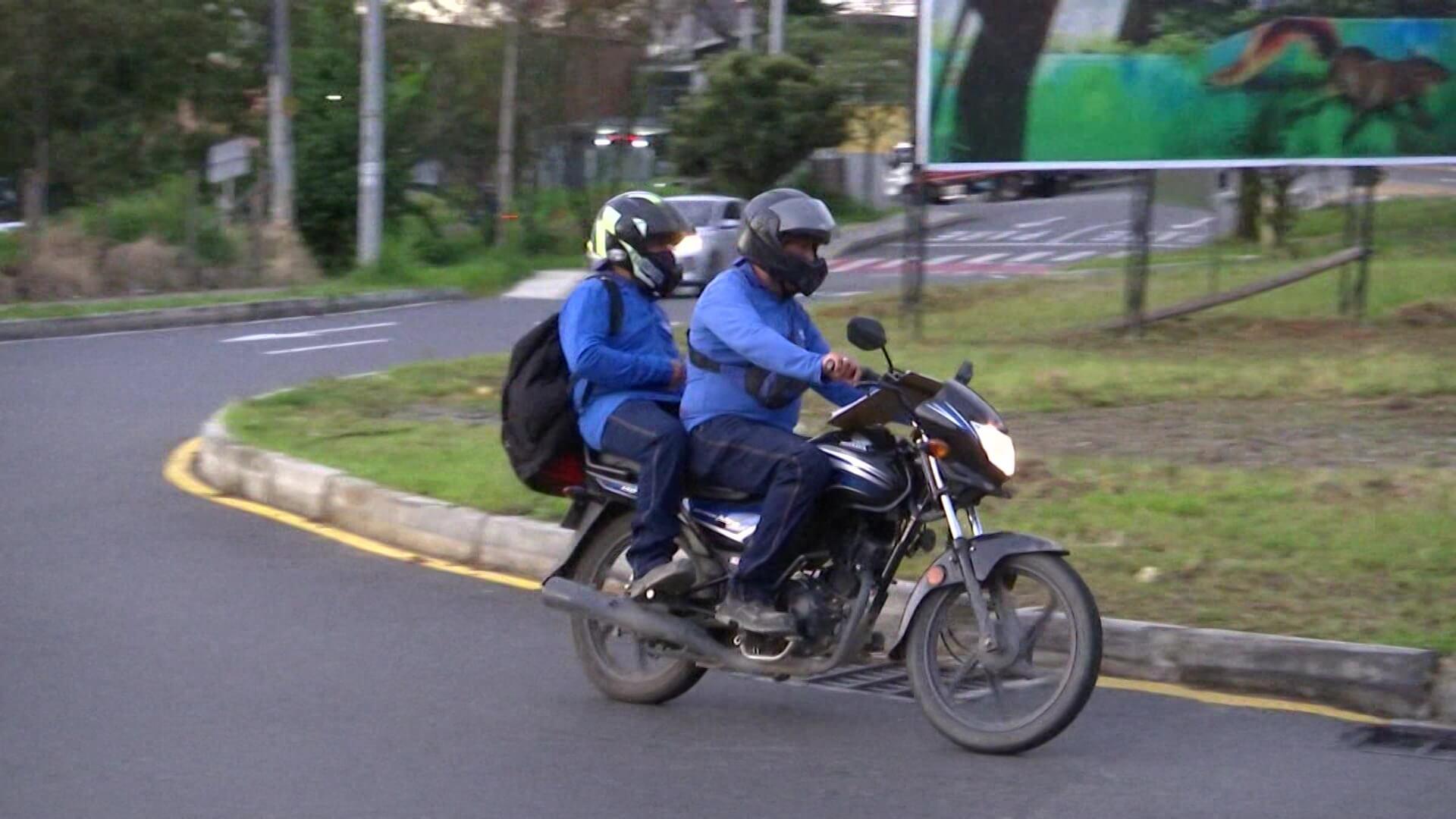 Estudian si Medellín debe restringir el parrillero hombre