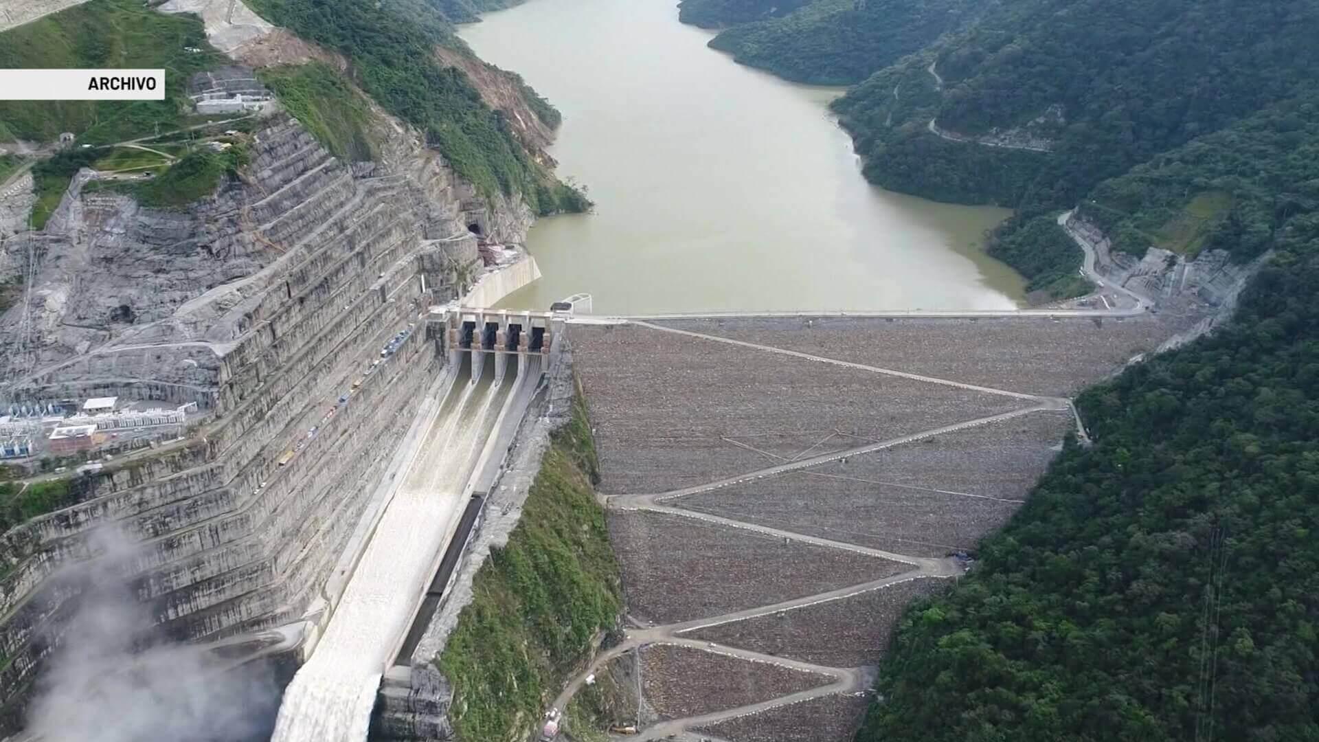 Si el BID se retira pone en riesgo el proyecto Hidroituango