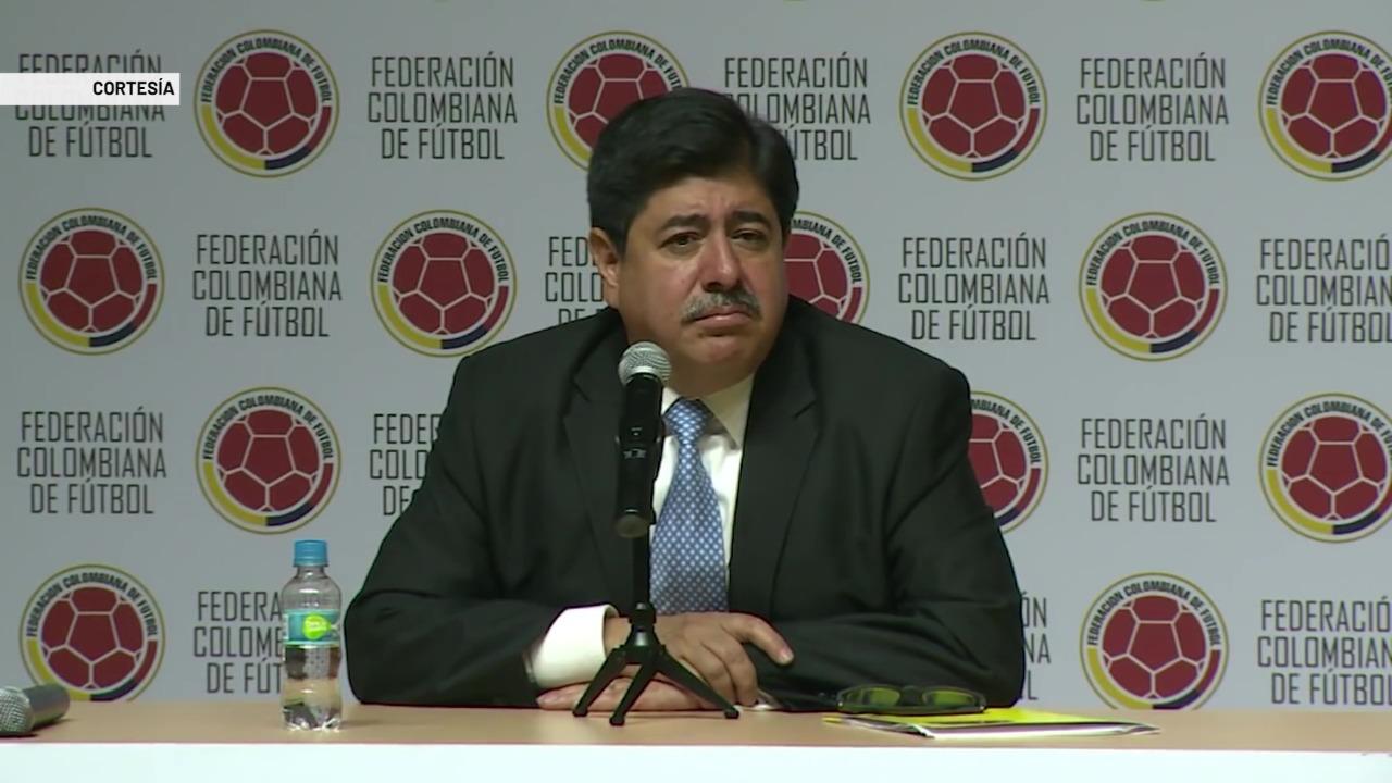 Fiscalía investiga a directivos de la Federación de fútbol
